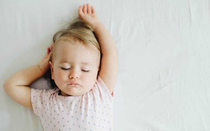 Mitos dan Fakta Tentang Latihan Tidur Si Kecil -4.jpg