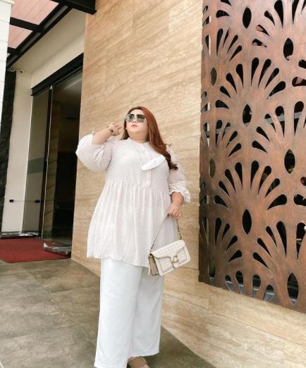 Model Baju Wanita Gemuk.png