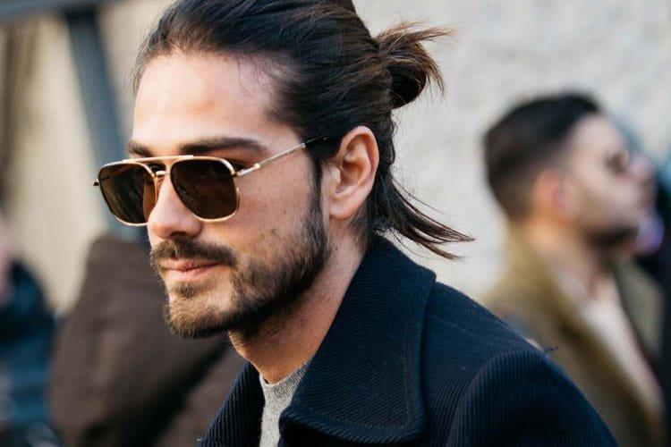 Model Rambut Pria Panjang  yang Selalu Tren - Man Bun