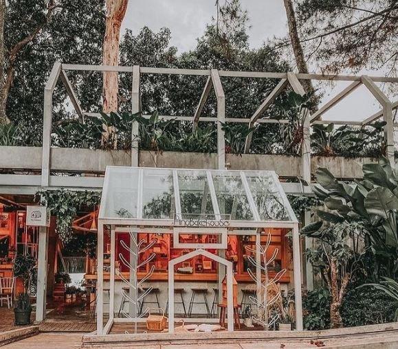 Nara Park jadi Tempat Ngopi di Bandung