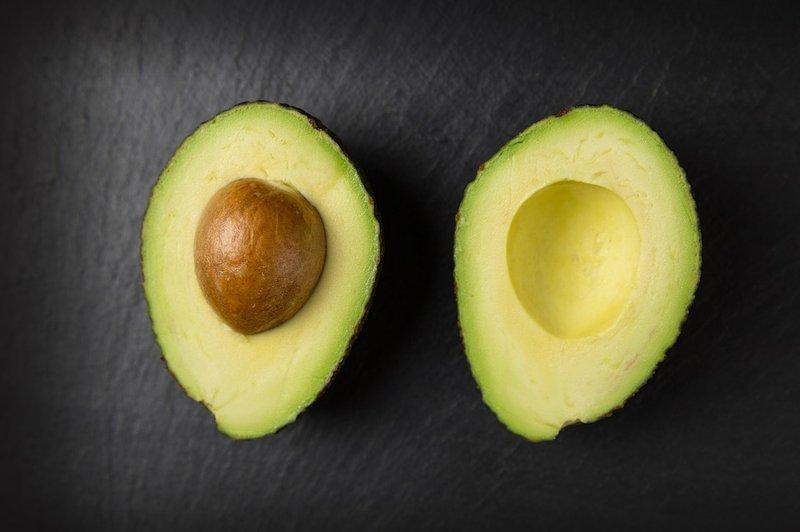 Obat kolesterol alami tradiional - alpukat.jpg