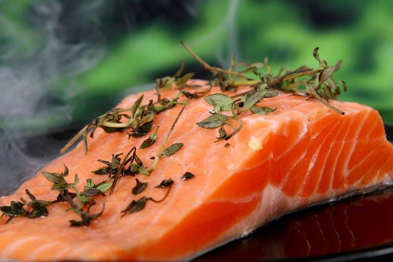 Obat kolesterol alami tradiional - salmon.jpg