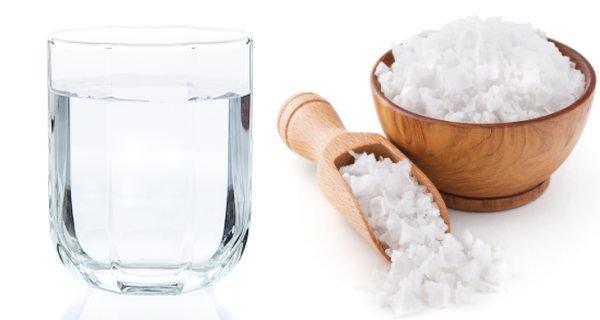 Obat sakit gigi anak gigi berlubang - kumur air garam.jpg