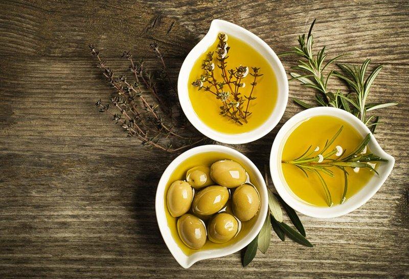 Olive Oil Sumber Lemak Sehat Untuk Memasak MPASI 1.jpg