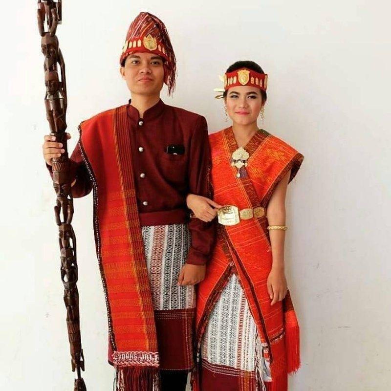 pakaian adat sumatera utara