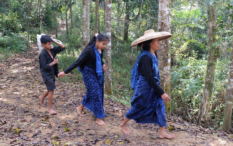 Pakaian Adat Baduy Wanita.jpg