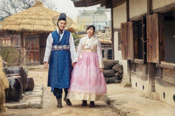 Pakaian Hanbok Korea.jpg