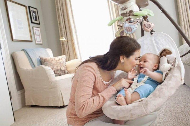 Para Ahli Jelaskan Risiko Bayi Tidur dalam Swinger Berbahaya Moms -2.jpg
