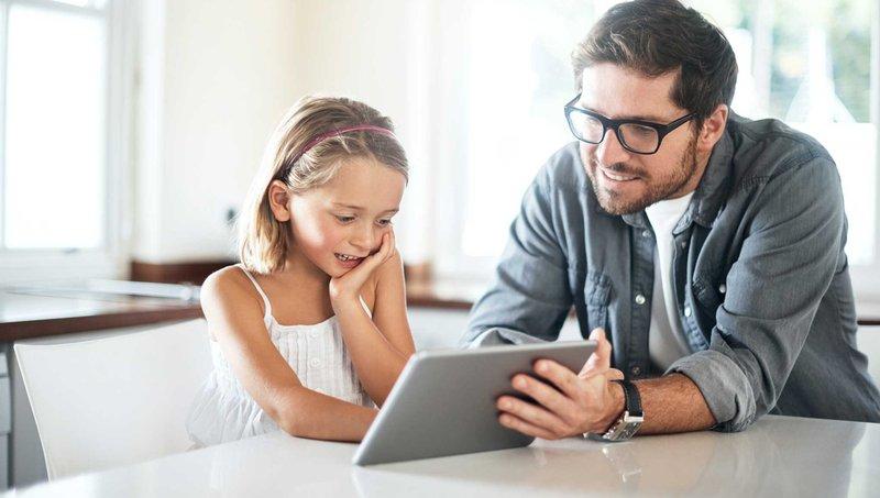 Pengaruh Negatif Media Sosial Pada Kebiasaan Makan Anak 3.jpg