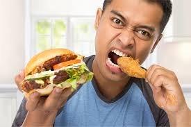 Penyebab perut buncit - makan larut malam.jpg