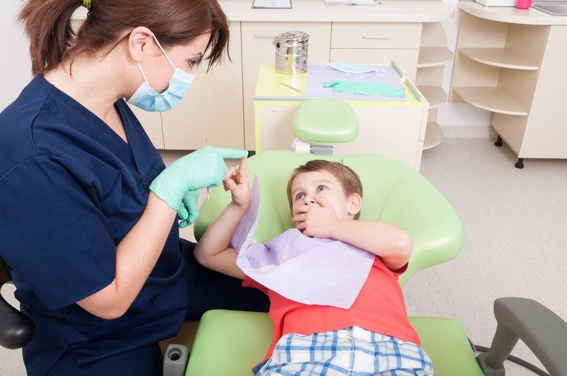 dokter gigi untuk mengatasi sakit gigi pada anak
