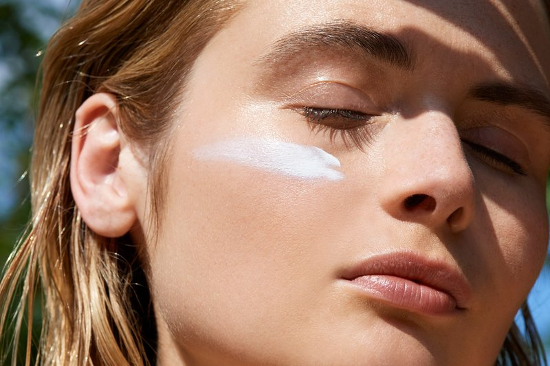 Tips Mencegah Jerawat Akibat Terlalu Sering Memakai Masker