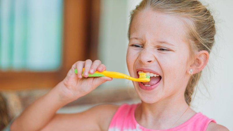 menjaga kesehatan gigi dan tulang