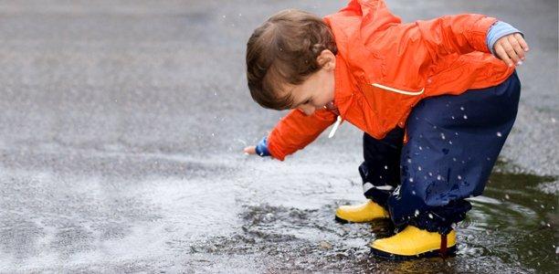 Perhatikan Pakaian Si Kecil Saat Musim Hujan Tiba -3.jpg
