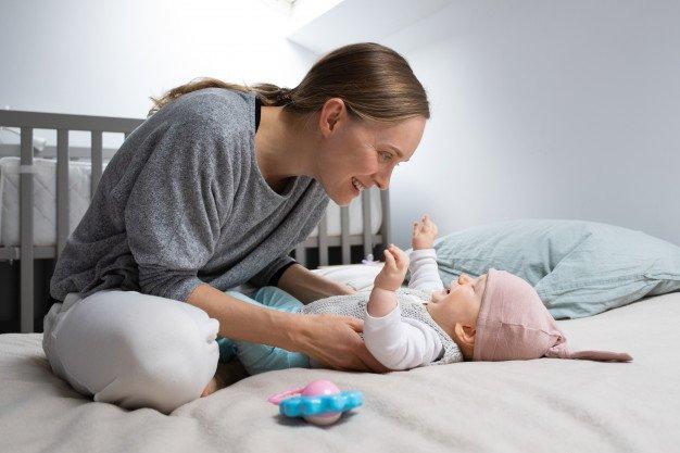 Perkembangan Bayi 6 Bulan perkembangan komunikasi.jpg