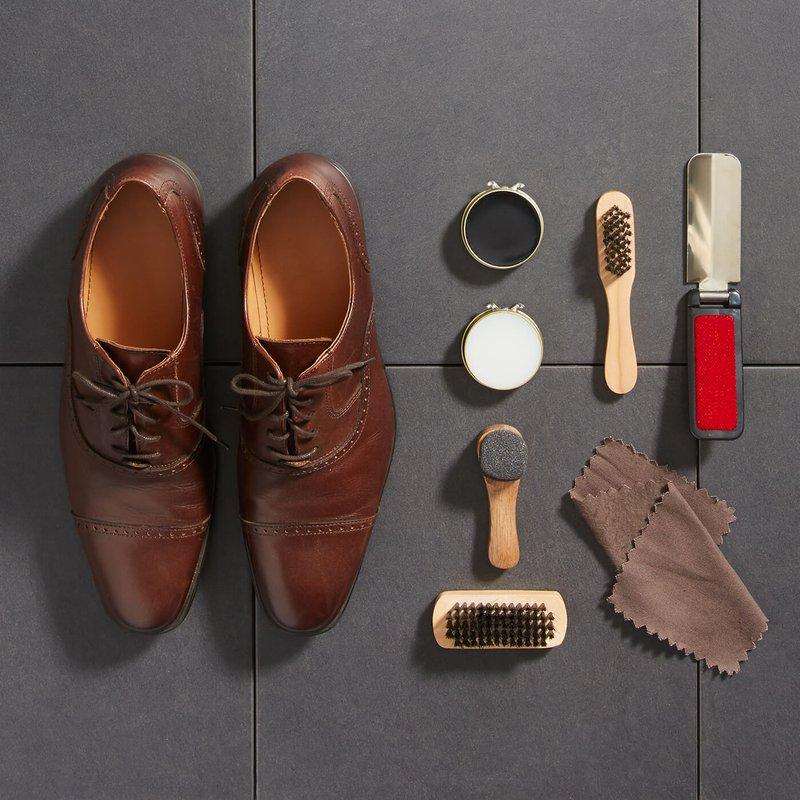 Perlengkapan Wajib Membersihkan Sepatu Kulit