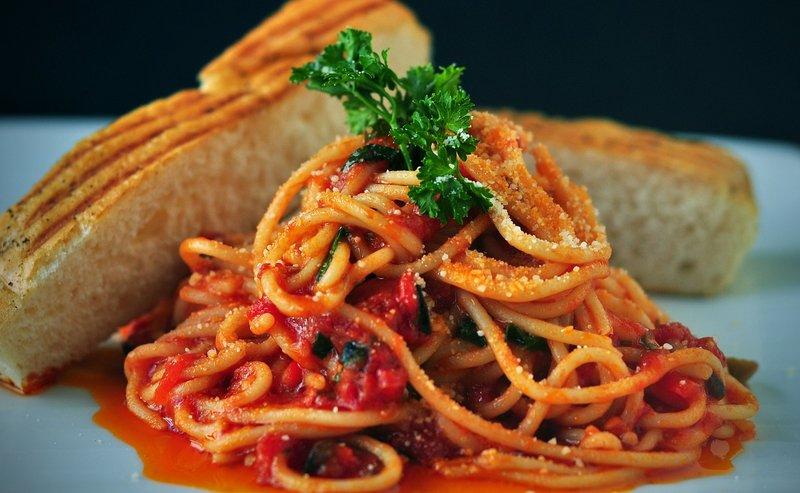 perbedaan saus bolognese, arrabbiata, dan marinara: Pomodoro.jpg