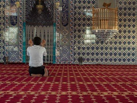 Potret Suami dan Ayah Ideal dalam Islam -4.jpg