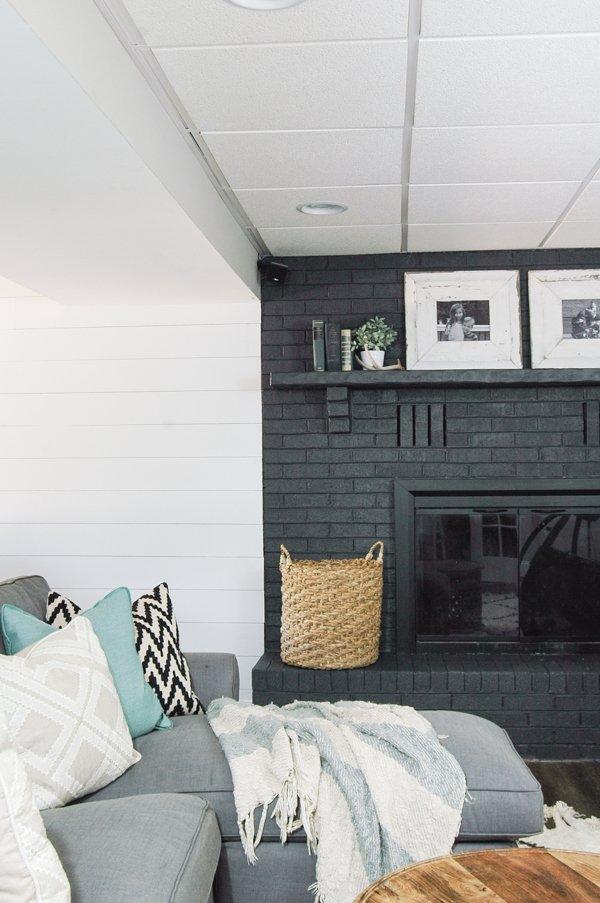 Punya Ruangan yang Gelap Pakai 6 Tips Ini Agar Membuatnya Tampak Terang -5.jpg