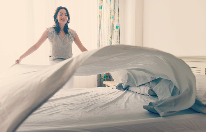 Punya Waktu Sempit, Ini 7 Tips Membersihkan Rumah Secara Cepat 01.jpg
