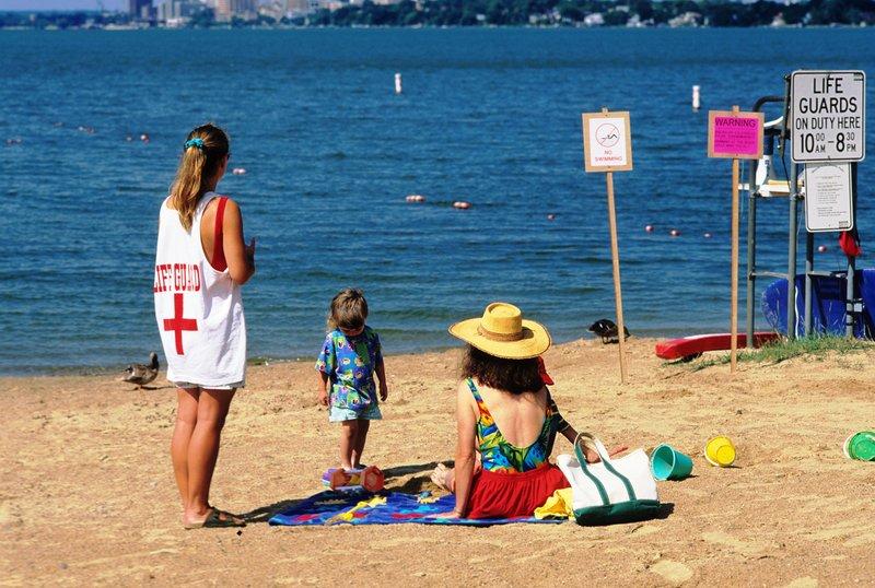 Panduan Keselamatan Si Kecil Berdasarkan 3 Jenis Tempat Berenang