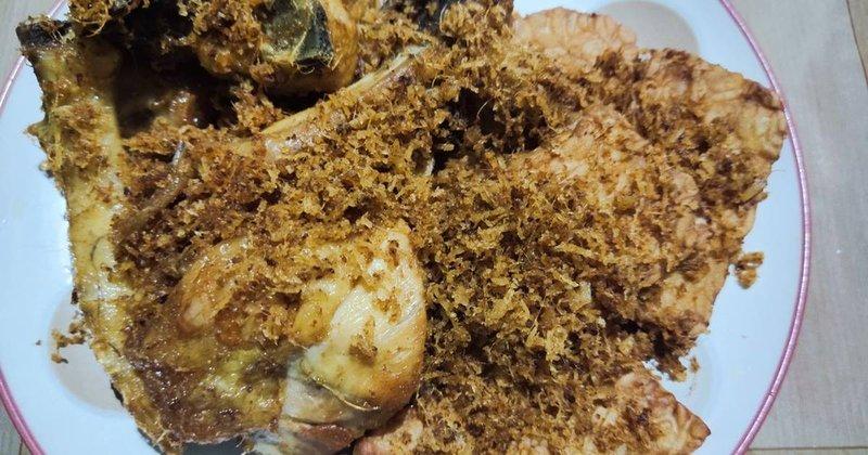 Resep Ayam Serundeng-Resep Ayam Serundeng Basah.jpg