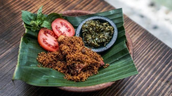 Resep Ayam Serundeng-Resep Ayam Serundeng Sambal Ijo.jpg