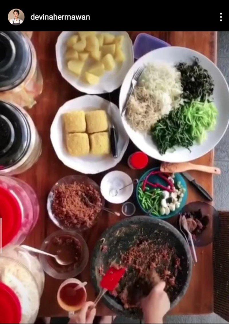 Resep Lotek dari Chef Devina Hermawan