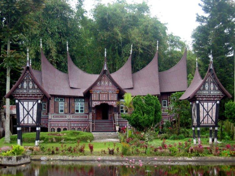 Rumah Adat Gonjong Limo