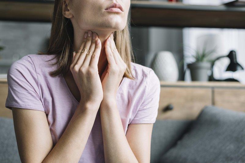 Rutin Cek Darah Penting 02 tiroid freepik com.jpg