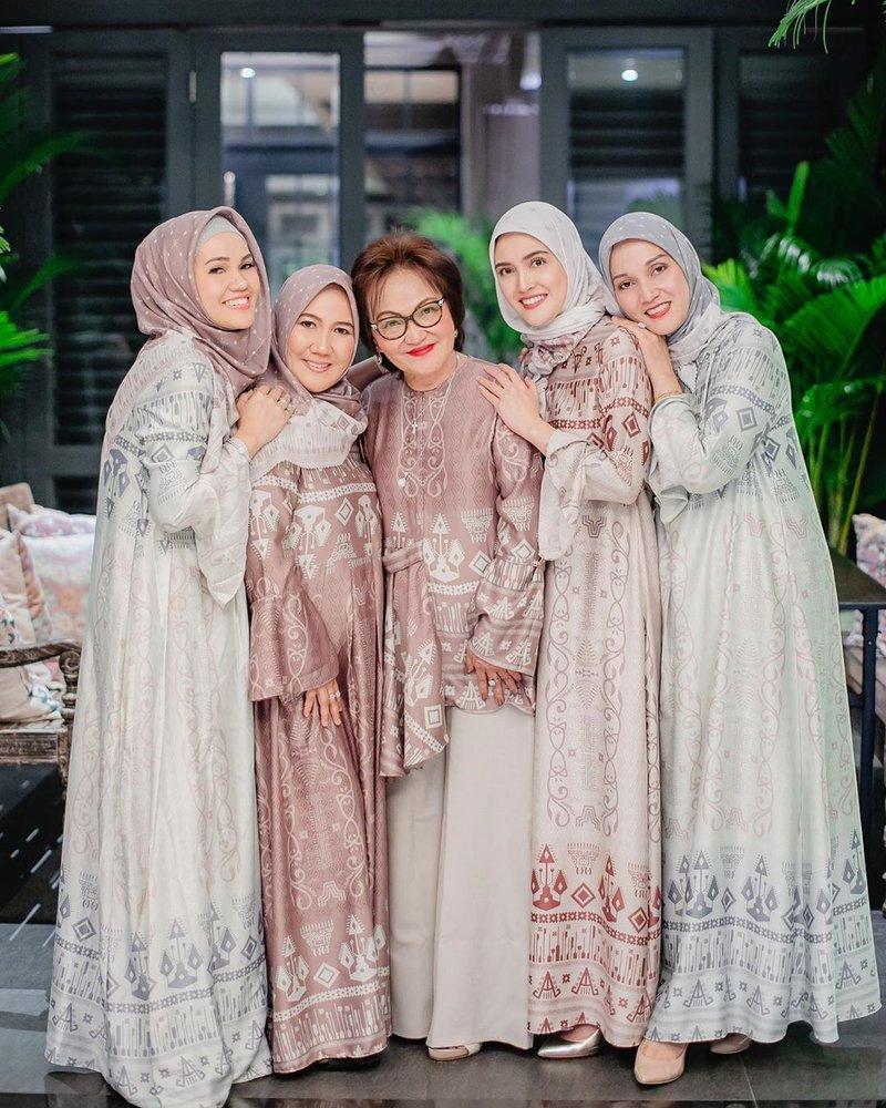 SHandy AUlia Hijab 4.jpg