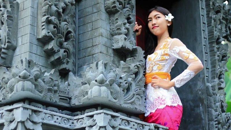Sabuk Prada Bali.jpg
