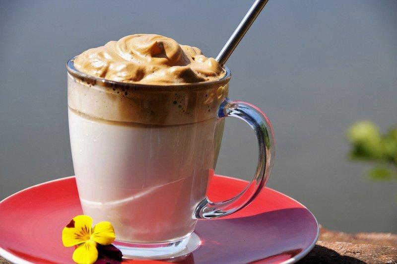 Sains di Balik Dalgona Coffee.jpg