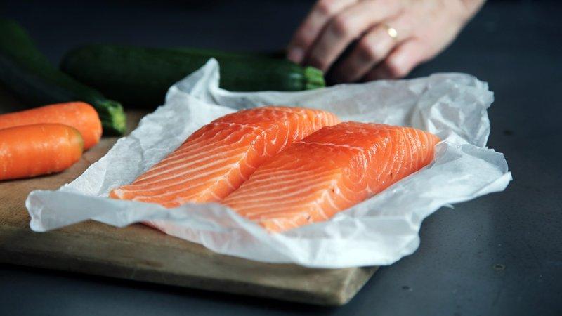 salmon, makanan ibu menyusui