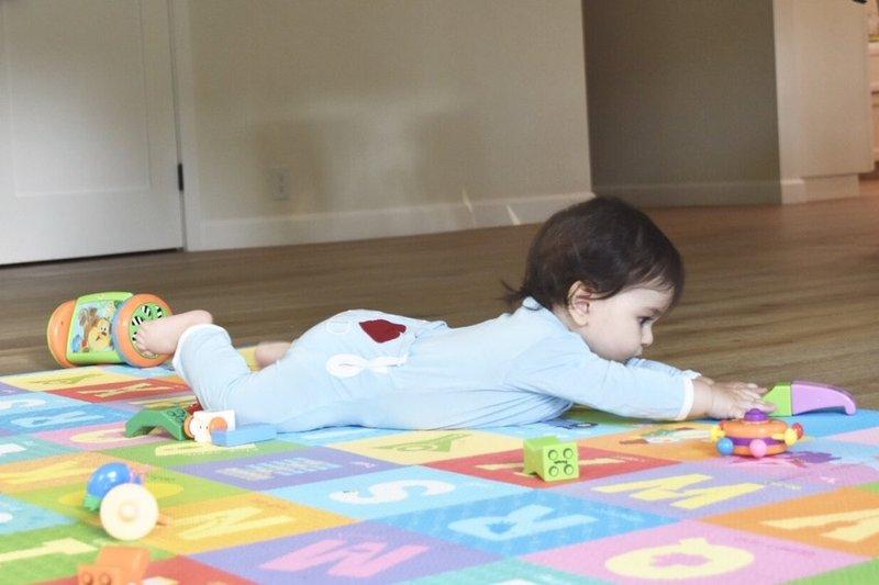 sensory play untuk bayi