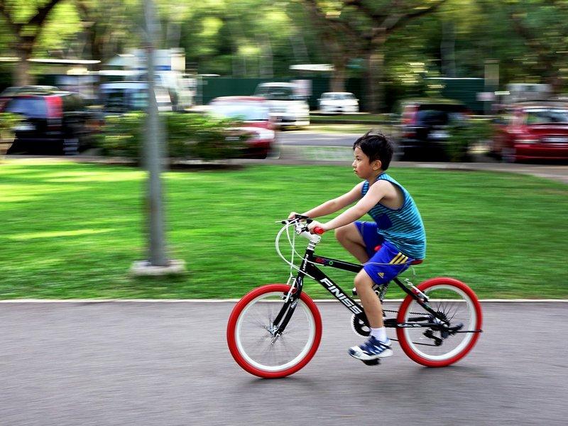 Bersepeda - Aktivitas Fisik