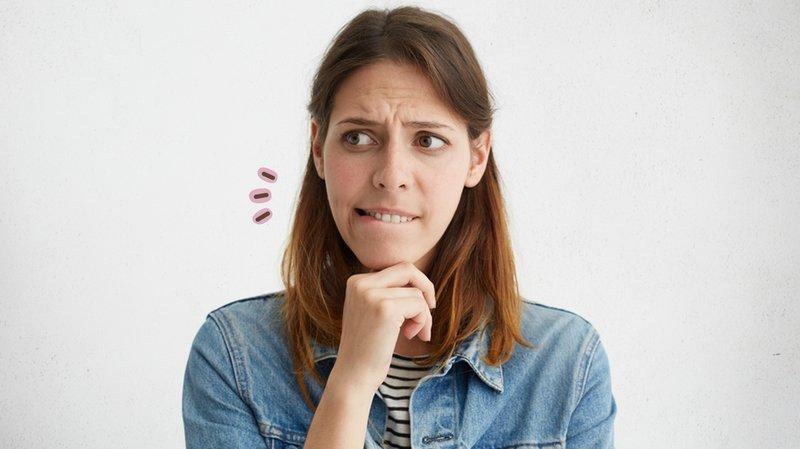 Punya Kebiasaan Menggigit Bibir? Ini Penyebabnya