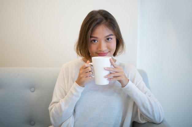 hindari kafein untuk mengatasi susah tidur