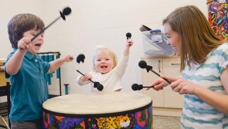 Seru dan Menyenangkan, Ini 4 Manfaat Terapi Musik Untuk Balita Autis 1.jpg