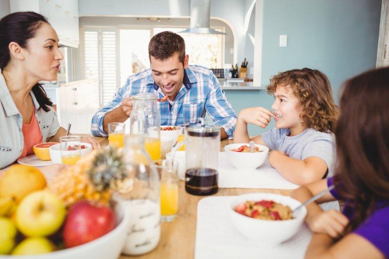 cara menjaga kesehatan jantung-makan sehat