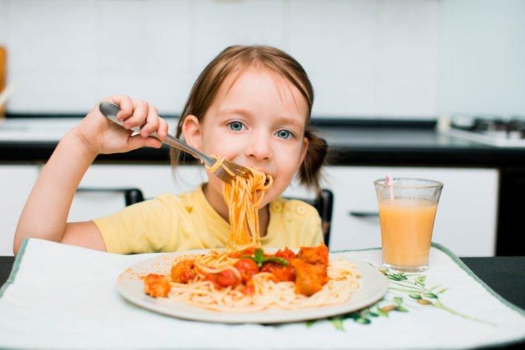 Si Kecil Suka Pasta Boleh Membiarkannya Makan Setiap Hari -2.jpg