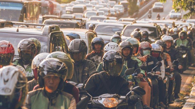 Skenario 'Hidup Normal' untuk Indonesia, dan Risikonya Bila Kebijakan PSBB Dilonggarkan.jpg