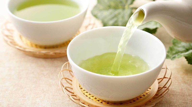 Perbedaan Green-Tea dan Matcha Haga.jpg