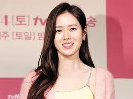 Son Ye Jin Profil.jpeg