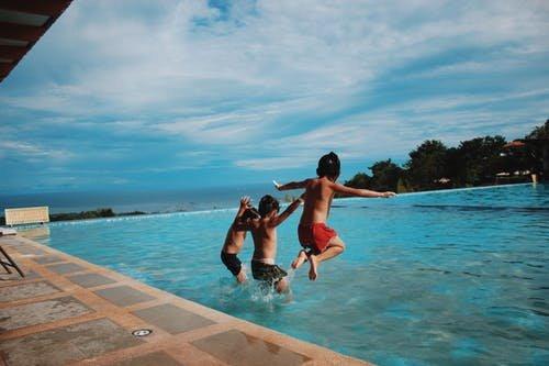 manfaat berenang untuk anak-3