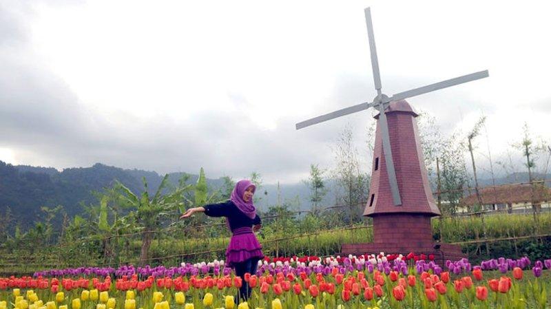 Taman Minimatur Dunia Baturaden