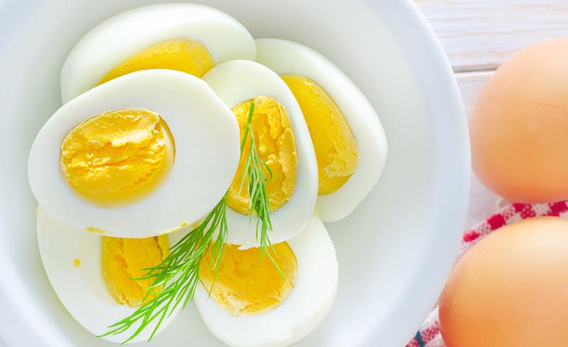 telur setengah matang untuk bayi