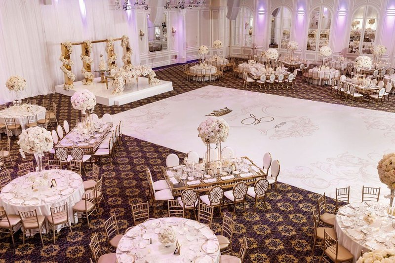 Tema Pernikahan Gold White