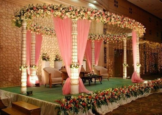 Tema Pernikahan Pink Garden