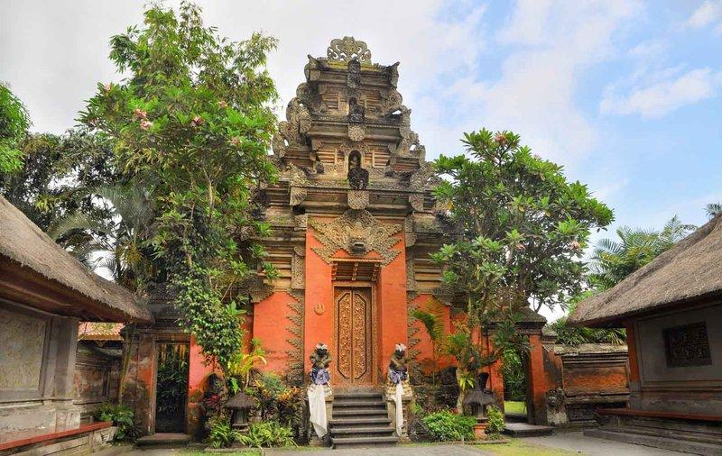 Tempat wisata di Bali gratis - Puri Saren Agung.jpg
